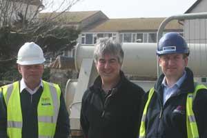 Garry Mountain & Martyn Fletcher (ISG Pearce) with Cllr Ian Thomas