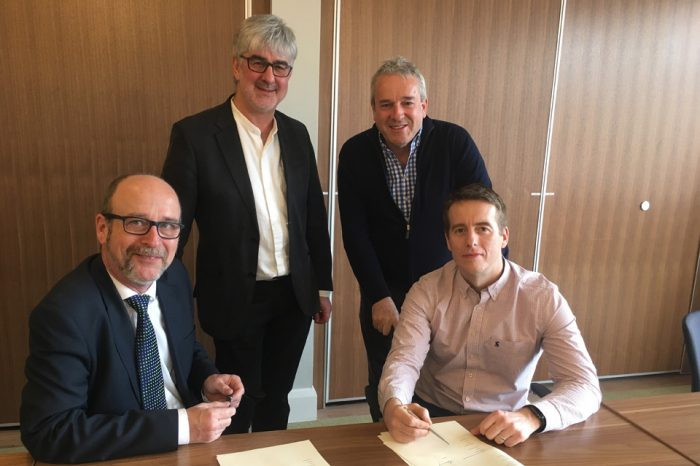 Agreement signed for new watersports centre in Exmouth